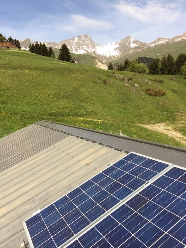 panneau solaire photovoltaique pour site isol sur batterie. Black Bedroom Furniture Sets. Home Design Ideas