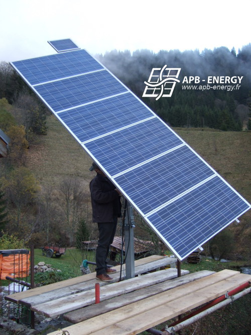 panneaux solaires sur tracker