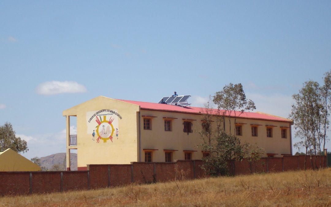 Électrification solaire d'un lycée à Madagascar