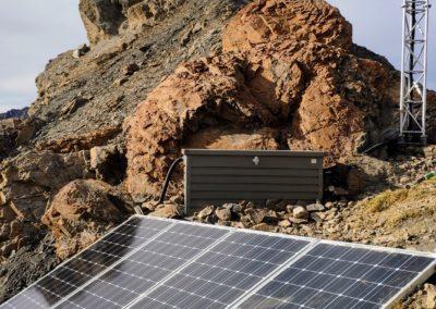 panneaux-solaires-relai-telecom
